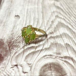 Vintage green stone ring